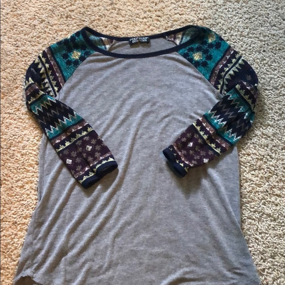 Papermoon Tops - A mid long shirt with cool designs